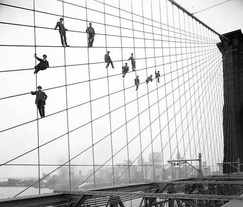 Brooklyn Bridge is seen under construction in 1914