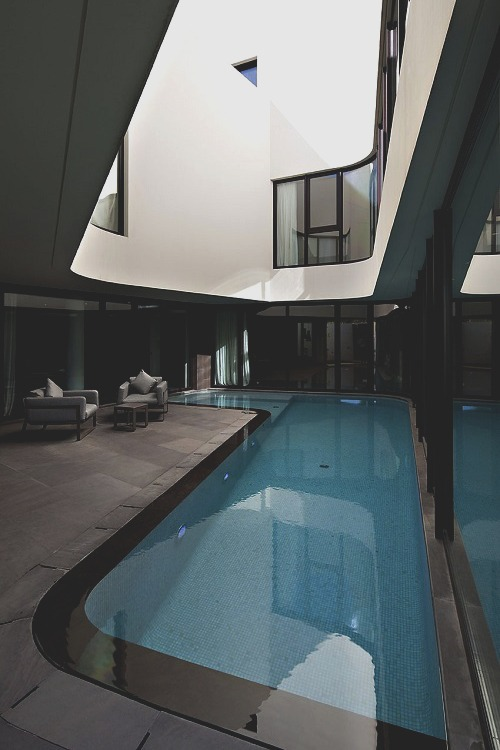 tremendo pool